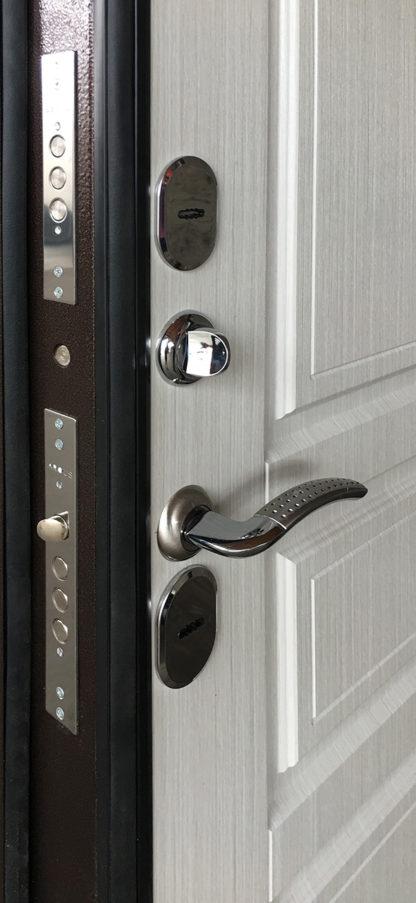 Стальная входная дверь с терморазрывом для улицы Аргус Аляска-1 Ясень белый