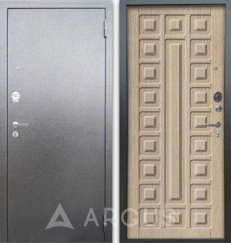 Светлая входная дверь Аргус Люкс АС Серебро антик Сенатор Капучино
